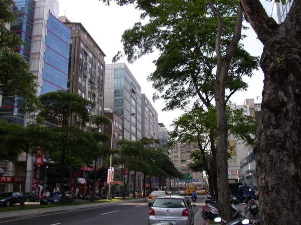 353.光復南路,博仁醫院附近