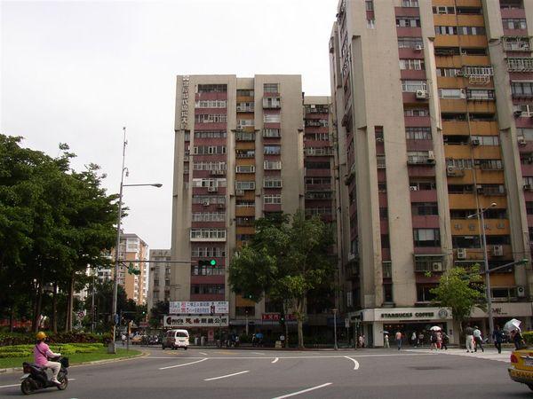 351.三民路圓環(西北往西南)