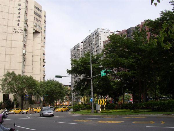 351.三民圓環(東北往東南)
