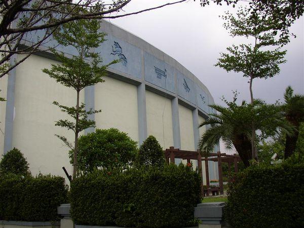 351.有飛行浮雕的民航局是台灣最早的現代建築之一
