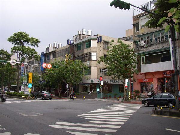 351.民生東路四段112巷