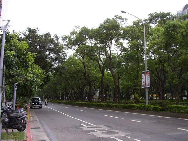 351.台北的舊大門敦化北路