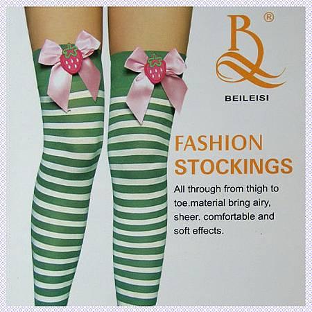 ╭*膝上草莓蝴蝶結+綠白斑馬紋造型大腿襪