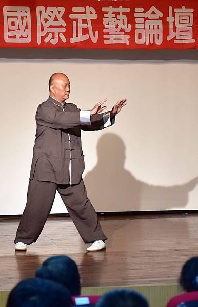 論文發表及展演 張聖麒老師.JPG