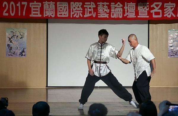 論文發表及展演 黃清麟老師 (2).JPG