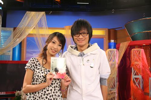 卓義峰這樣看起來是一個好乖的學生啊~~
