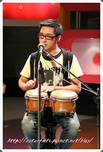 鼓手十號 是樂團中的潤滑劑