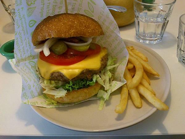 DSC_0427經典牛肉漢堡