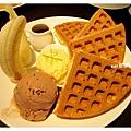 香蕉巧克力冰淇淋鬆餅.jpg
