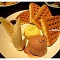 香蕉巧克力冰淇淋鬆餅2.jpg