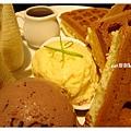 香蕉巧克力冰淇淋鬆餅5.jpg