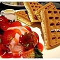 草莓冰淇淋鬆餅3.jpg