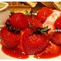 草莓冰淇淋鬆餅4.jpg