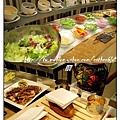 沙拉與麵包.jpg