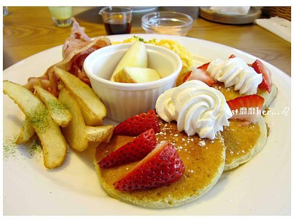 美式草莓煎餅.jpg