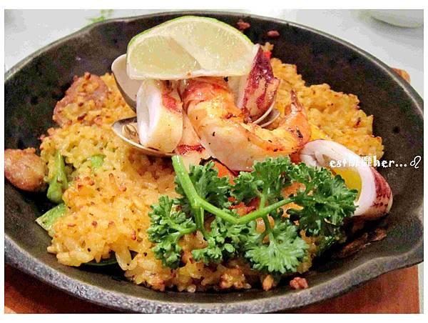 西班牙海鮮烤飯.jpg