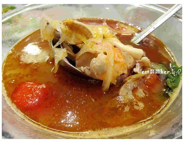 泰式海鮮湯.jpg