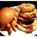 龍捲風牛肉起士漢堡.jpg