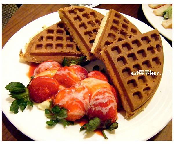 草莓奶油鬆餅.jpg