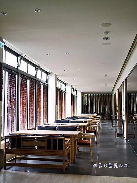 12 二樓用餐空間