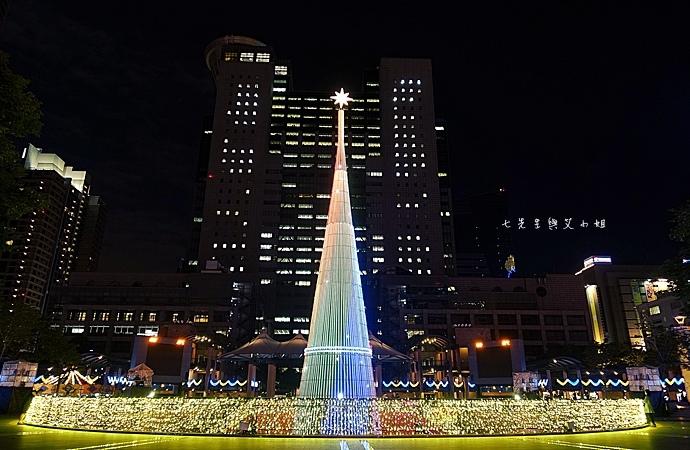 18 2014新北歡樂耶誕城.JPG