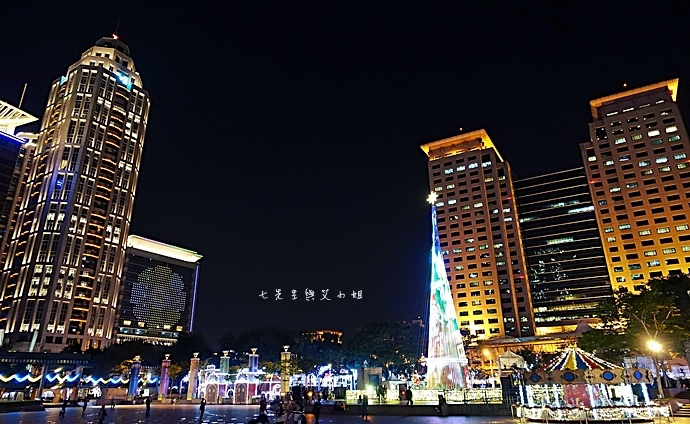 26 2014新北歡樂耶誕城.JPG