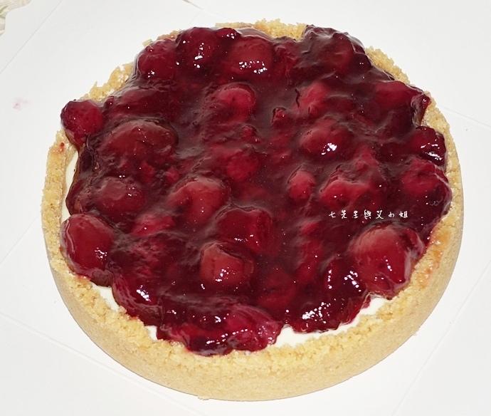 11 法國的秘密甜點諾曼遞牛奶蛋糕北海道生淇淋捲森林莓果佐起士