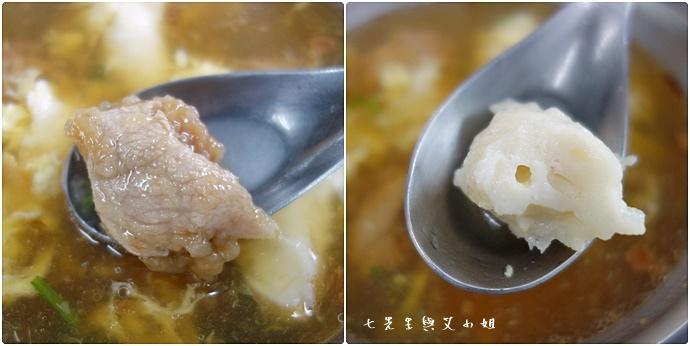 8 板橋黃石市場 蘿蔔糕芋粿糯米腸邱家三代祖傳肉羹現壓甘蔗汁.jpg