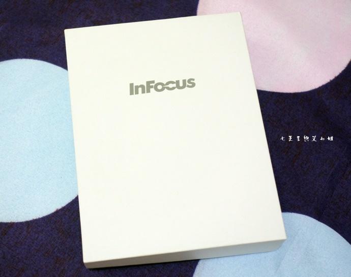 2 Infocus M350.JPG