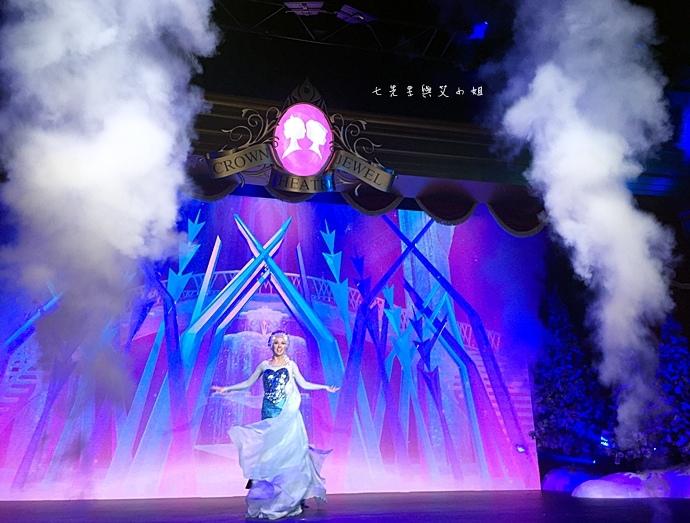 31 迪士尼冰雪小鎮、2015香港FUN享夏日禮、迪士尼美國大街小鎮下午茶、達菲熊雪莉玫見面會、雨天版遊行、迪士尼紀念品血拼.jpg
