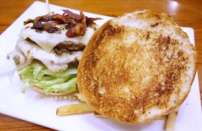 16 TGI Friday's 道地美式漢堡平日天天有優惠.JPG