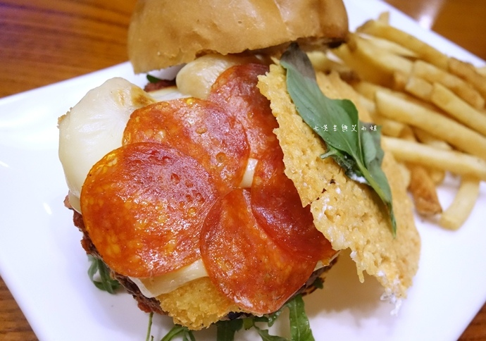 18 TGI Friday's 道地美式漢堡平日天天有優惠.JPG