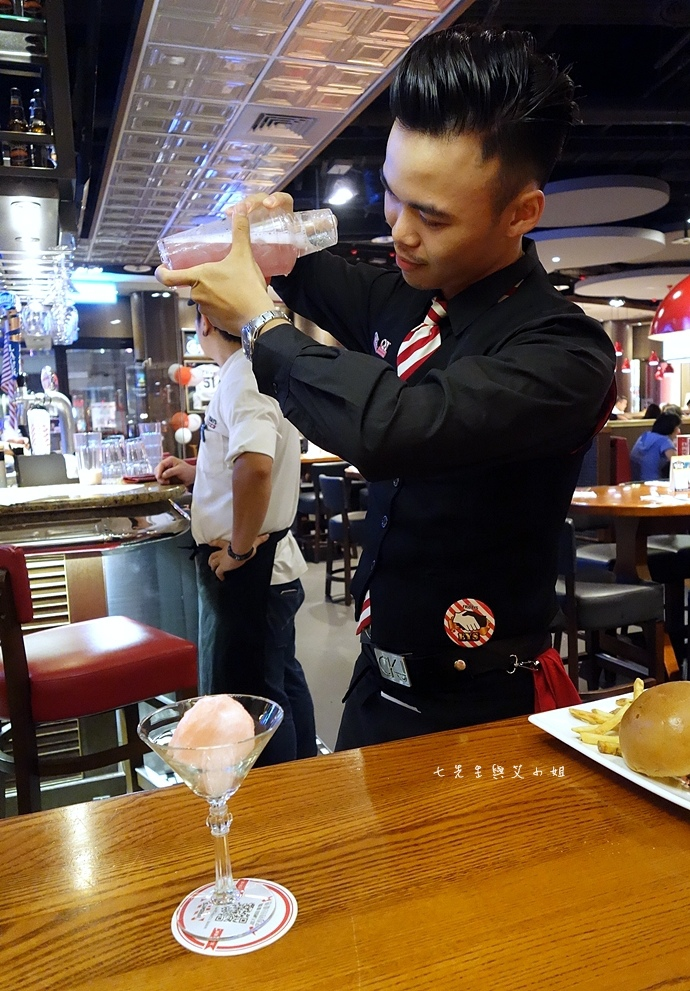 22 TGI Friday's 道地美式漢堡平日天天有優惠.JPG