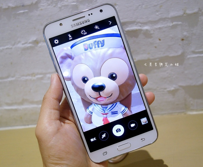 1 Samsung Galaxy J7 大光圈 前閃燈 快啟相機.JPG