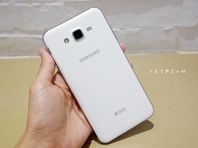 8 Samsung Galaxy J7 大光圈 前閃燈 快啟相機.JPG