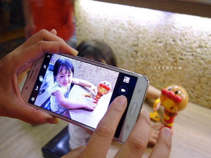 32 Samsung Galaxy J7 大光圈 前閃燈 快啟相機HDR.JPG