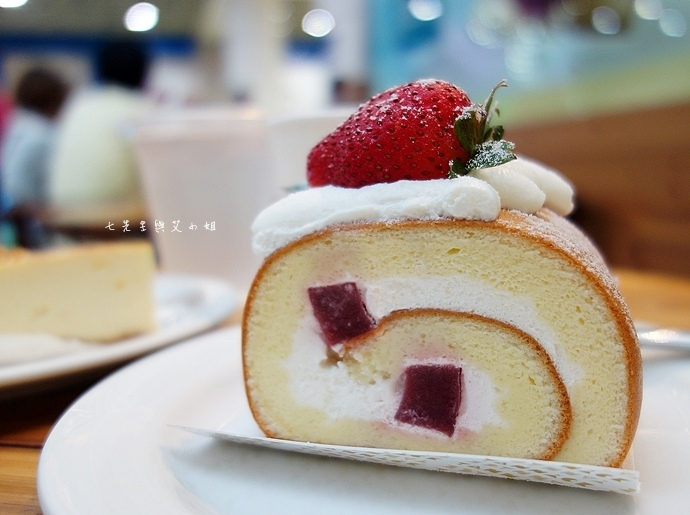 10 亞尼克 十勝生乳捲 柴燒黑糖生乳捲.JPG