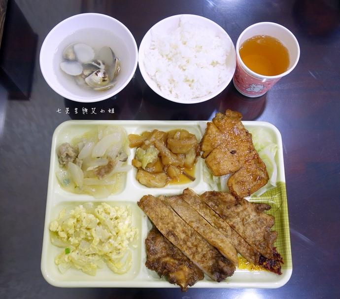 13 荷鑫燒肉飯(台灣1001個故事介紹,高山嚮導碳烤便當).JPG