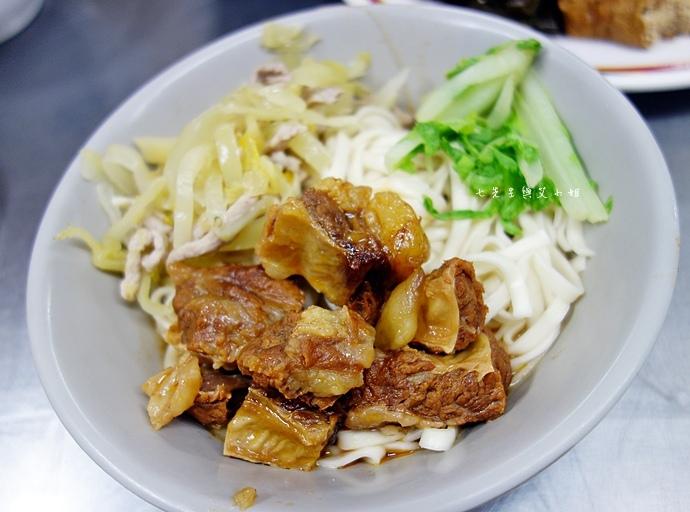 10 小龍飲食 小龍麵館.JPG