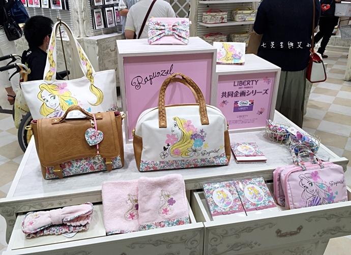 3 迪士尼專賣店 Disney Store 女性專賣店 大阪梅田 LUCUA.JPG