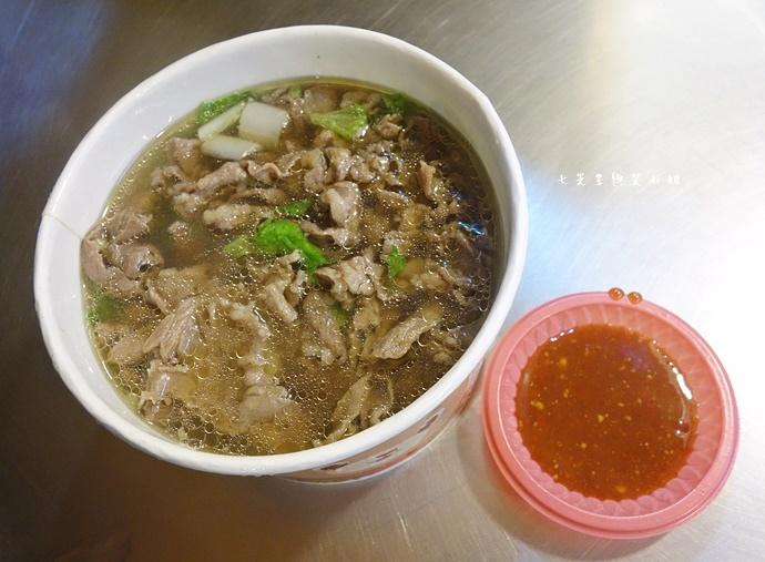 9 羅東夜市美食 阿灶伯 羊舖子 羊肉湯 臭豆腐 炒羊肉.JPG