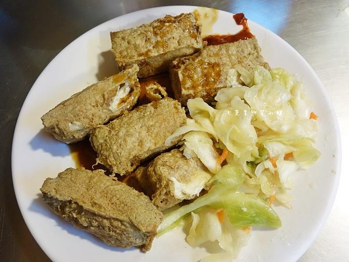 13 羅東夜市美食 阿灶伯 羊舖子 羊肉湯 臭豆腐 炒羊肉.JPG
