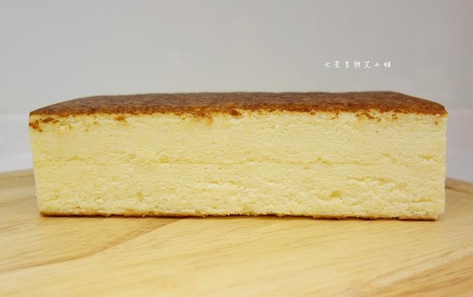 5 麵包劇場 Alter Ego 1892 帕瑪森舒芙蕾起司蛋糕 牛軋糖 明太子法國麵包 蒜味法國麵包.jpg