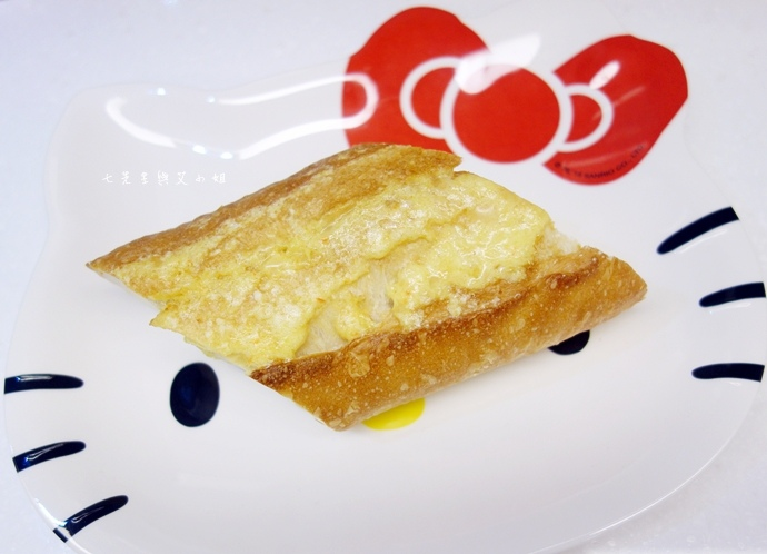11 麵包劇場 Alter Ego 1893 帕瑪森舒芙蕾起司蛋糕 牛軋糖 明太子法國麵包 蒜味法國麵包.jpg