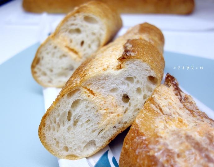 9 麵包劇場 Alter Ego 1892 帕瑪森舒芙蕾起司蛋糕 牛軋糖 明太子法國麵包 蒜味法國麵包.jpg