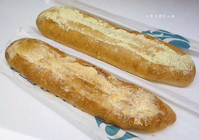 8 麵包劇場 Alter Ego 1892 帕瑪森舒芙蕾起司蛋糕 牛軋糖 明太子法國麵包 蒜味法國麵包.jpg