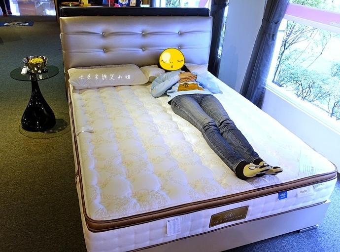 33 睡眠王國 Sleep Country 美國席夢思名床2萬有找 貨櫃抵台首賣會.JPG