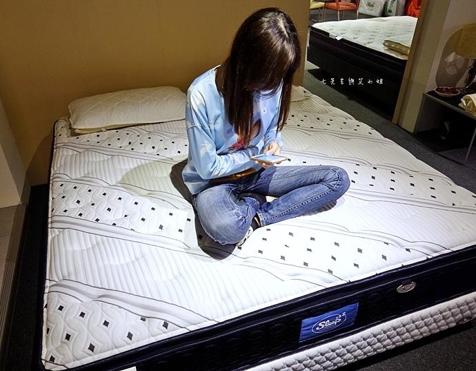 46 睡眠王國 Sleep Country 美國席夢思名床2萬有找 貨櫃抵台首賣會.JPG