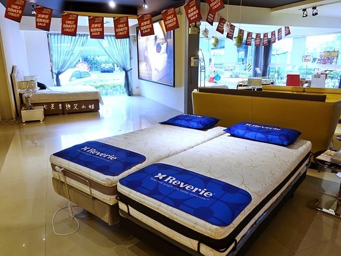 63 睡眠王國 Sleep Country 美國席夢思名床2萬有找 貨櫃抵台首賣會.JPG