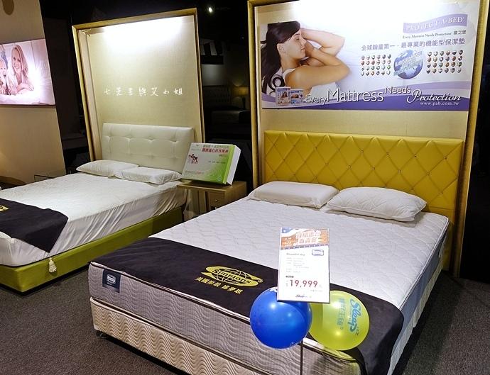 12 睡眠王國 Sleep Country 美國席夢思名床2萬有找 貨櫃抵台首賣會.JPG
